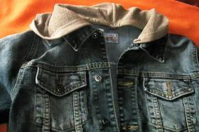 Foto 4 Tolle Jeansjacke mit Kapuze