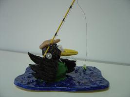 Foto 5 Tonfigur Keramikfigur Rabe Fliegenfischer Angler Gartendeko Geschenk