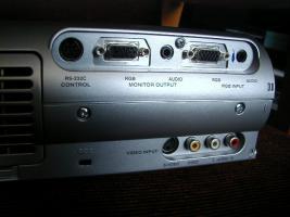 Foto 2 Toshiba TLP 680 E XGA-Beamer