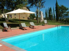 Toskana: Ferienwohnungen, Ferienhäuser + Villen