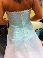 Foto 3 Traumhaft schönes Brautkleid Farbe ivory Gr. 40