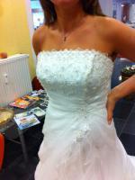 Foto 6 Traumhaft schönes Brautkleid Farbe ivory Gr. 40