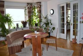 Traumhafte, 200qm gro�e, zentrale und sanierte Altbauwohnung