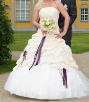 Traumhaftes Brautkleid Gr. 36/38 mit Zubehör