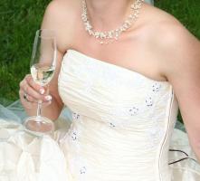 Foto 3 Traumhaftes Brautkleid Gr. 36/38 mit Zubehör