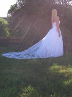 Traumhaftes Brautkleid mit hochsteckbarer Schleppe von Valerie Grösse 36!