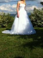 Foto 2 Traumhaftes Brautkleid mit hochsteckbarer Schleppe von Valerie Grösse 36!