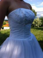 Foto 3 Traumhaftes Brautkleid mit hochsteckbarer Schleppe von Valerie Grösse 36!