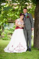Foto 2 Traumhaftes Brautkleid, Bestikt, mit Schleppe