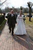 Foto 2 Traumhaftes cremefarbenes Brautkleid mit Schleppe
