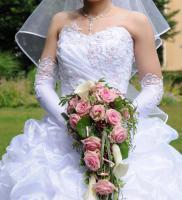 Foto 2 Traumhochzeitskleid mit Reifrock, neuem Schleier und neuen Handschuhen