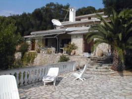 Traumvilla aus Naturstein auf Korfu/Griechenland