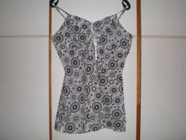 Foto 5 Trödelkiste, Kleiderkiste, Anziehsachen für Damen Gr. 40-42, 33 Teile