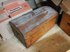 Truhen Kisten