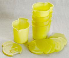 Foto 2 Tupperware für Flüssigkeiten