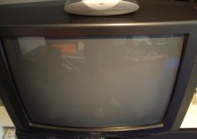 Foto 2 Tv / Fernsehen / Röhrenfernseher zu verkaufen - Frankfurt am Main