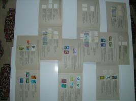 Foto 2 UN-Genf Gedenk-Folder-Faltblätte mit Markenausgaben des Jahres