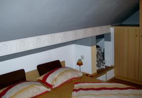 Foto 4 *URGEMÜTLICH* teilmöbl. Maiss. 1,5 Raum DG- Wohnung , Laminat, EBK, Balkon, Borsdorf