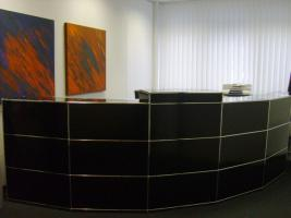 usm haller empfangstheke in d sseldorf. Black Bedroom Furniture Sets. Home Design Ideas
