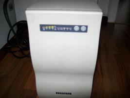 USV Effekta Stromversorgung mit Akkumulator Bank B20 und 8 Akku