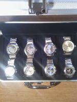 Foto 4 Uhrenkoffer aus Aluminium für 8 Uhren vollgefüllt mit hochwertigen Jay Baxter Herrenuhren