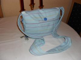 Foto 2 Umhängetasche in hellblau ( handgefertigt )