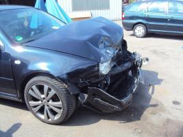 Foto 12 Unfallwagen Golf 4  (1J)  2.0 für Bastler - Ersatzteilspender