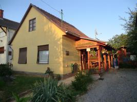 Ungarn: Gemütliches kleines Haus am Balaton