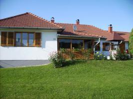 Foto 2 Ungarn: Gepflegtes Anwesen -Zala-Region-