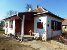 Ungarn: Gepflegtes Bauernhaus, 10km zum Balaton