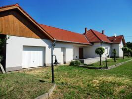 Foto 2 Ungarn: Gepflegtes, fast fertig renoviertes Haus am Balaton
