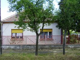 Ungarn: Nähe Sarvar hübsches kleines Wohnhaus