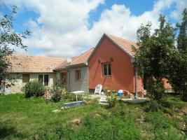 Ungarn: Schönes Haus, Nähe Angelsee, 16km zum Thermalbadeort und 26km zum Balaton