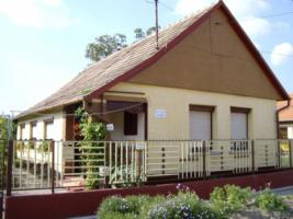 Ungarn  Abony Wohnung  T 321