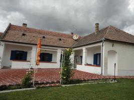 Foto 2 Ungarn - Ehemaliger Herrengutshof