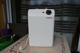 Foto 2 Untertisch Speicher Boiler 5 Liter Stiebel Eltron mit Wasserhahn Armatur