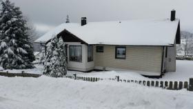Winter Haus Feldchen