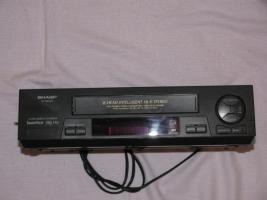 Foto 2 VHS-Videorekorder Sharp VC-MH 761 + FILM