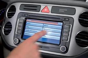 VW Navigation RNS 510 + Karten EU 2012 + Einbau ( auf Wünsch )