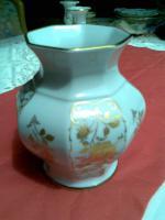 Vase mit Goldblumendekor  ''Wunsiedel R'' zu verkaufen.