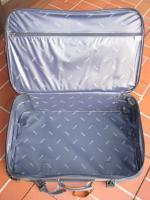Verkaufe 2 Reisekoffer auf Rollen, von Carlton international.
