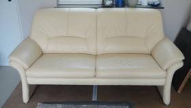 Verkaufe 2-Sitzer, Sessel und Hocker