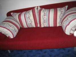 Verkaufe 2èr Couch zum Ausziehen mit Bettkasten