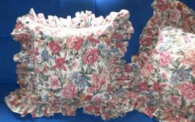 Foto 2 Verkaufe 3 gebrauchte Rosenkissenbezüge mit Rüsche im Landhausstil