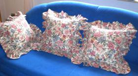 Foto 6 Verkaufe 3 gebrauchte Rosenkissenbezüge mit Rüsche im Landhausstil