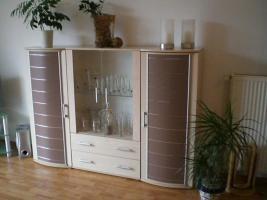Foto 2 Verkaufe ein Highboard ein Wohnzimmertisch und ein TV Tisch