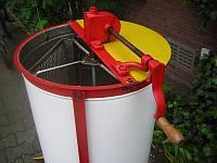 Foto 2 Verkaufe Honigschleuder (4 Wabenschleuder)