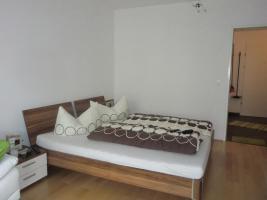 Verkaufe NEUWERTIGE Schlafzimmermöbel