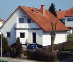 Verkaufe im Umkreis Kassel modernes Ein- bis Zweifamilienhaus, was keine W�nsche offen l�sst....
