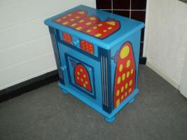 Foto 3 Verkaufe bemalte oder beklebte Stühle, Schränke Tische